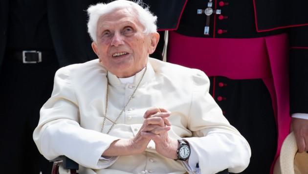 Der emeritierte Papst Benedikt XVI. (Bild: APA/dpa/Sven Hoppe)