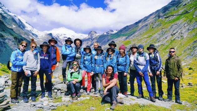 Gruppenfoto mit Nationalparkreferentin Landesrätin Sara Schaar (Bild: Wallner Hannes)