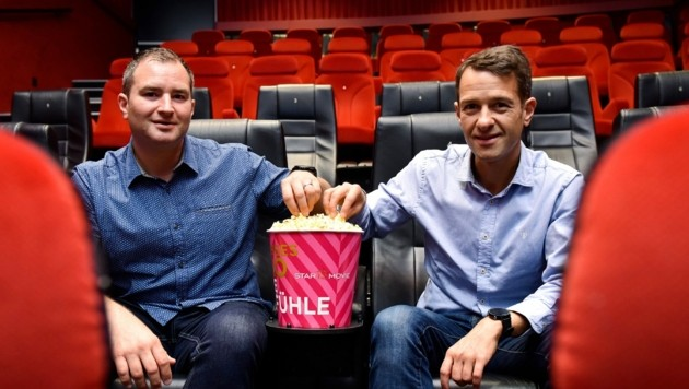 Hans-Peter Obermayr (r.) und sein Bruder Klaus betreiben die Star-Movie-Gruppe. (Bild: Markus Wenzel)