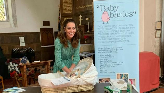 Herzogin Kate bei einer Sammlung von notwendigen Gütern für Babys in einer Kirche in Norfolk.