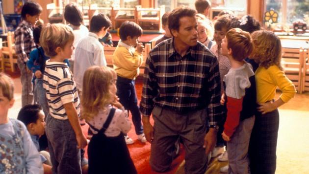 """Arnold Schwarzenegger in """"Kindergarten Cop"""" von 1990"""