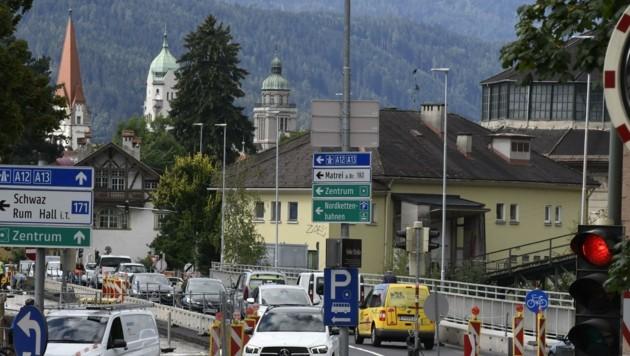 Seit Wochen Nadelöhr: Die Mühlauer Brücke in Innsbruck.