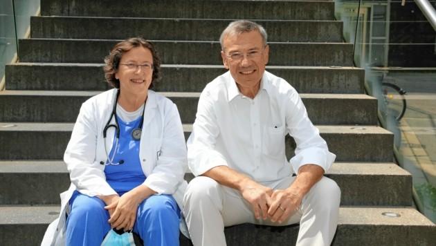 Priv. Doz. Dr. Hermine Agis (li.) mit ihrem Patienten. (Bild: Jöchl Martin)