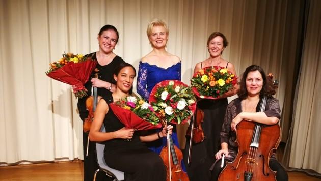 Ildikó Raimondi (Mitte) mit dem Koehne Quartett