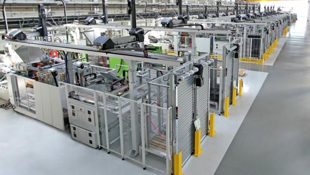 In Oberösterreich besitzt die Polytec in Hörsching, Marchtrenk und Ebensee Standorte. An Letzterem werden die Logistikboxen für den Handel hergestellt. (Bild: Polytec Group)