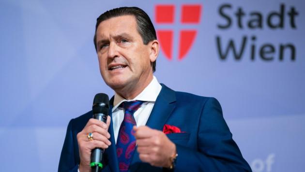 Finanz- und Öffi-Stadtrat Peter Hanke (SPÖ) (Bild: APA/GEORG HOCHMUTH)
