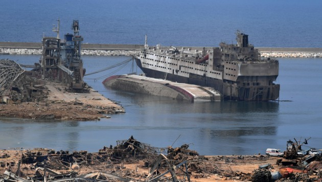 Drei Tage nach der verheerenden Explosion im Hafen von Beirut wird das Ausmaß der Zerstörung immer deutlicher sichtbar. (Bild: AFP or licensors)