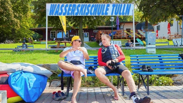 Donau-Beach-Boys-Modus: ADABEI Norman Schenz mit Albert Fortell in Tulln im Gespräch.