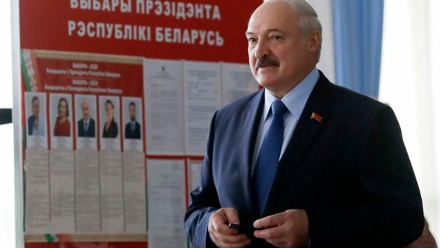 Alexander Lukaschenko, seit mehr als 25 Jahren Staatschef Weißrusslands (Bild: AP)