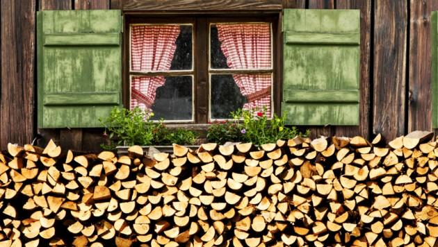 Die steirischen Produzenten haben genug Brennholz anzubieten (Bild: stock.adobe.com)
