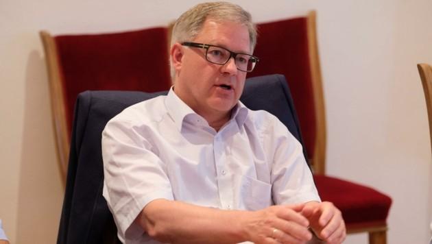 Atterseebahn-Boss Günter Neumann will die Zugverbindung für Pendler attraktivier gestalten. (Bild: Einöder Horst)