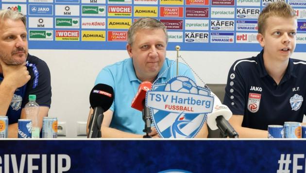 Trainer Markus Schopp, Obmann Erich Korherr und Pressesprecher Roland Puchas (Bild: GEPA)