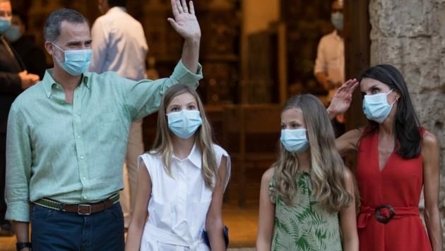 Die spanische Königsfamilie auf Mallorca (Bild: AFP)