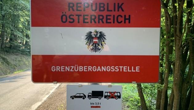 """Die Anrainer ärgert der viele Verkehr an der """"kleinen Grenze"""" in Neumarkt. (Bild: Schulter Christian)"""