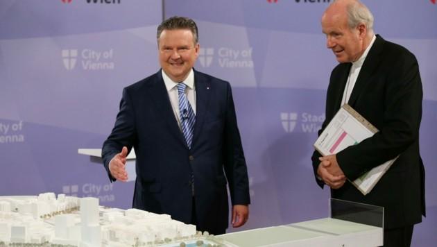 Campus der Religionen: Stadtchef Michael Ludwig stellt das Siegerprojekt vor. Kardinal Christoph Schönborn bedankte sich für die große Unterstützung.