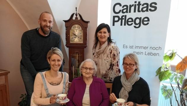 """Haus Elisabeth""-Leiter Michael Possegger, Vizebürgermeisterin Maria Knauder, Janine Scharf, Maria Joham und Michaela Perchtold. (Bild: Caritas)"