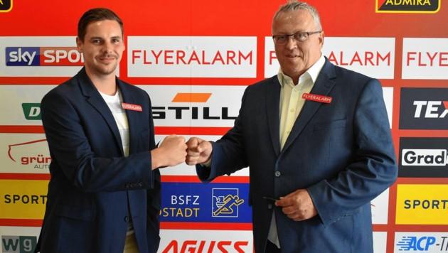 Admiras Geschäftsführer-Duo: Thomas Drabek (li.) ist für den Bereich Wirtschaft zuständig, Franz Wohlfahrt (re.) für den Sport. Der 56-Jährige spielte an der Seite von Trainer Zvonimir Soldo bei Stuttgart, nächste Saison haben beide ein Ziel: Das obere Play-off!