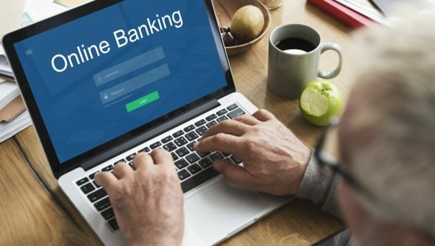 Nicht jeder Pensionist kann oder möchte Online-Banking nutzen (Symbolbild).