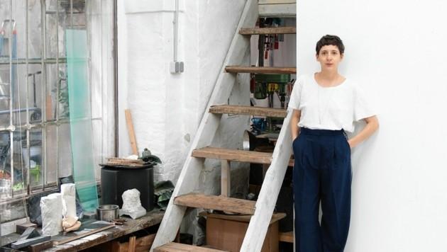 Ute Müller gestaltet das Kunst Fenster Gnas
