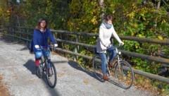 """Zusammen radelt es sich schöner: Caritas sucht """"Bike Buddies"""" (Bild: Caritas)"""