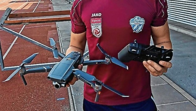 Die neue Drohne liefert den Hartbergern im Training Bilder aus der Vogelperspektive. (Bild: Kothgasser)