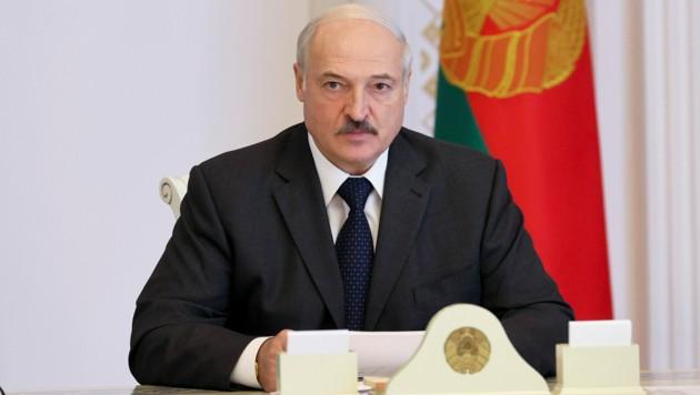Präsident Alexander Lukaschenko fordert sein Volk auf, wieder an die Arbeit zu gehen. (Bild: AP)