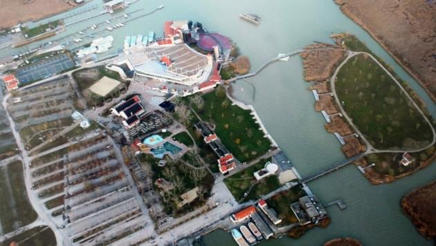 Aktuelles Luftbild von Mörbisch samt der Seebühne