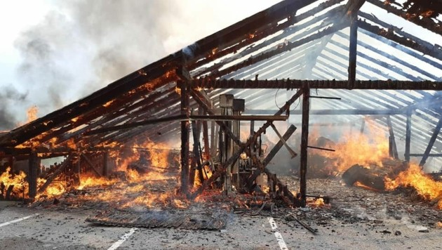 Das Gebäude ist abgebrannt. (Bild: FF Diex)