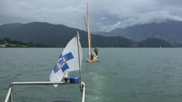 Die Wasserrettung Mondsee musste mehreren Booten und einem Stand-up-Paddler helfen. (Bild: Wasserrettung Mondsee)
