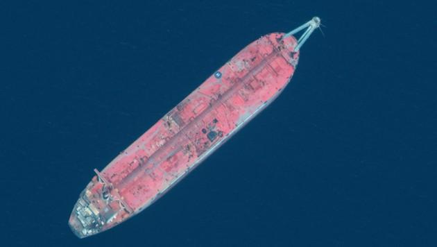 Seit 2015 liegt der Öltanker Safer ungewartet vor der Küste Jemens. Die UNO fürchtet eine Ölpest. (Bild: AFP)