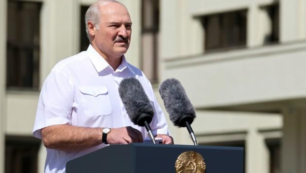 Alexander Lukaschenko rief seine Anhänger bei der Kundgebung in Minsk dazu auf, die Unabhängigkeit Weißrusslands zu verteidigen.