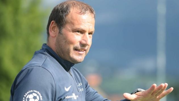 """Trotz eines """"perfekten"""" Saisonstarts mit vier Siegen und einem Remis wollen Coach Herwig Klocker und seine Admira Dornbirn den Ball flach halten. (Bild: Maurice Shourot)"""