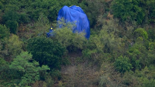 Bei dem Unfall kam der Ballonführer ums Leben, mindestens zwei der Passagiere wurden schwer verletzt. (Bild: APA/dpa/Thomas Frey)
