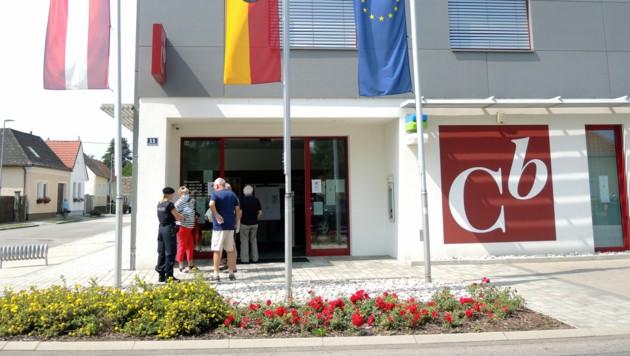 Aus der Einlagensicherung wurden bereits 82 Prozent der Commerzialbank-Kunden entschädigt. (Bild: APA/THERESA PUCHEGGER)