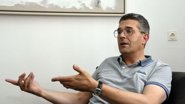 Professor Alex Hofer (49), Direktor der Innsbrucker Universitäts-Klinik für PsychiatrieI. (Bild: Andreas Fischer)