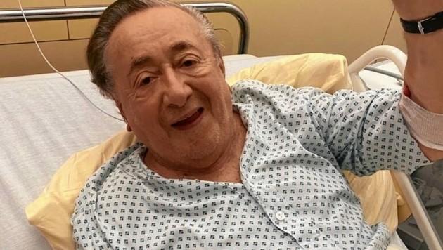 Richard Lugner meldete sich mit ersten Grüßen aus dem Spital.