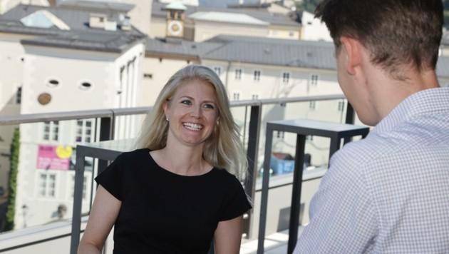 """Laura Hüttmann sprach mit der """"Krone"""" über ihre Arbeit. Sie ist seit drei jahren Chefin des Publikumsdienstes. (Bild: Tschepp Markus)"""