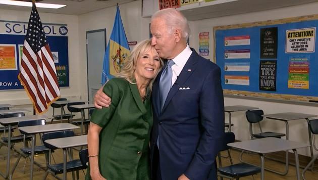 Joe Biden mit Ehefrau Jill (Bild: AP)