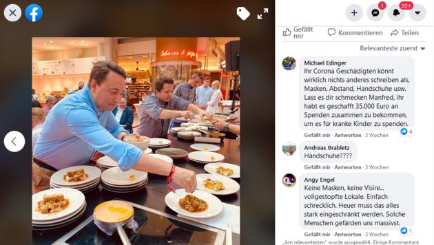 FPÖ-Chef Manfred Haimbuchner beim Schaukochen - samt Duell der Poster. (Bild: Facebookseite LHStv Manfred Haimbuchner)