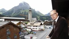Bürgermeister Ludwig Muxel stolperte über ein umstrittenes Immo-Projekt von Rene Benko. (Bild: APA/DIETMAR MATHIS)