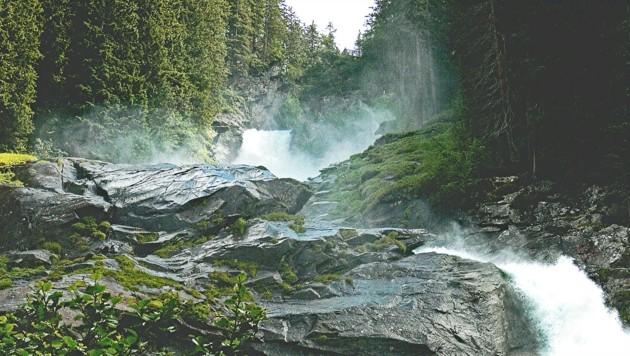 Über die Krimmler Wasserfälle ging es zum Krimmler Tauernhaus. (Bild: Pixabay)