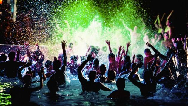 Heuer nicht möglich: Maturareisen mit Poolpartys ohne Abstand (Symbolbild) (Bild: ©Michael - stock.adobe.com)