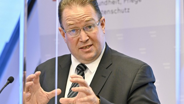 Einer der beiden Leiter der Corona-Kommission, Ulrich Herzog