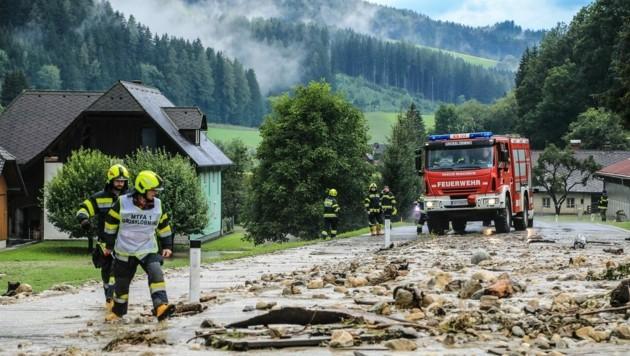 Murenabgänge! Die Feuerwehr hatte wieder jede Menge zu tun. (Bild: Thomas Zeiler)