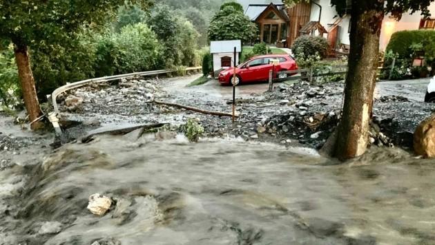 Zwischen St. Johann und Wagrain traten mehrere Bäche über die Ufer. (Bild: Markus Tschepp)