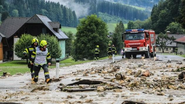 Unermüdlich stehen die Feuerwehren auch im Murtal im Einsatz. Ihnen gilt großer Dank! (Bild: Thomas Zeiler)