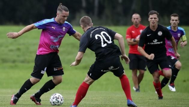Mendim Fetahaj (links) traf dreimal beim 4:0-Sieg von Faistenau gegen Gneis. (Bild: Tröster Andreas)