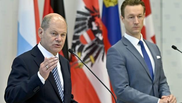 Deutschlands Finanzminister Scholz (li.) mit seinem heimischen Amtskollegen Blümel
