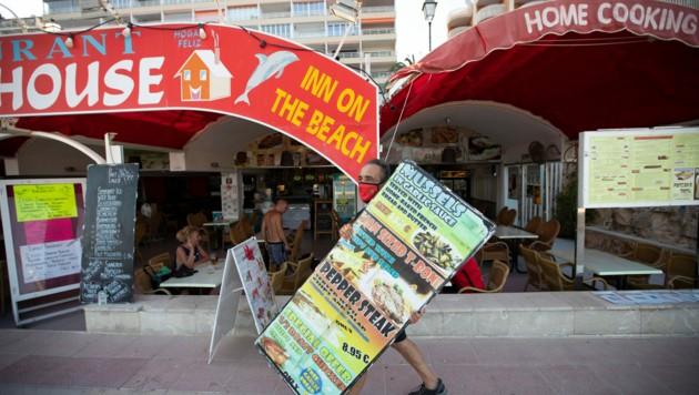Der Reiseveranstalter TUI stornierte bereits am 9. August alle Urlaube aus Großbritannien. In Magaluf auf Mallorca sind üblicherweise besonders viele Touristen aus dem Vereinigten Königreich. (Bild: AFP)