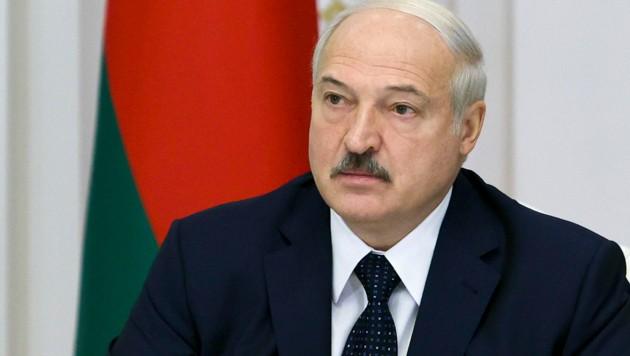 Der weißrussische Präsident Alexander Lukaschenko (Bild: AP)